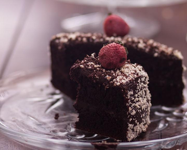 كعكة الشوكولاتة بالجاناش